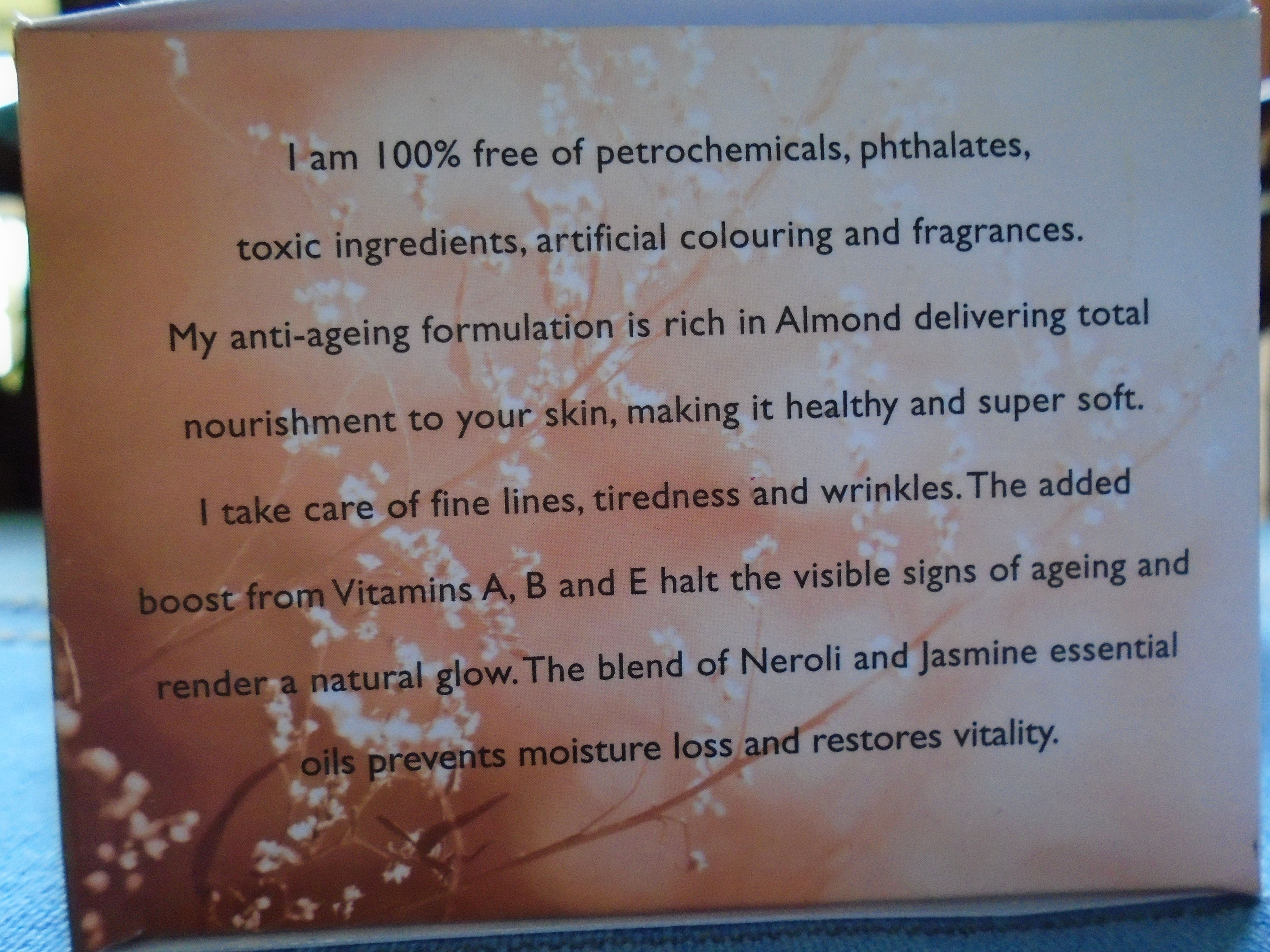 Aromamagic Almond Nourishing Cream Review