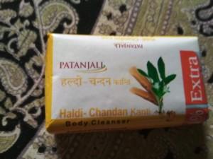PATANJALI HALDI CHANDAN SOAP REVIEW