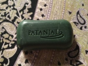 PATANJALI NEEM SOAP REVIEW